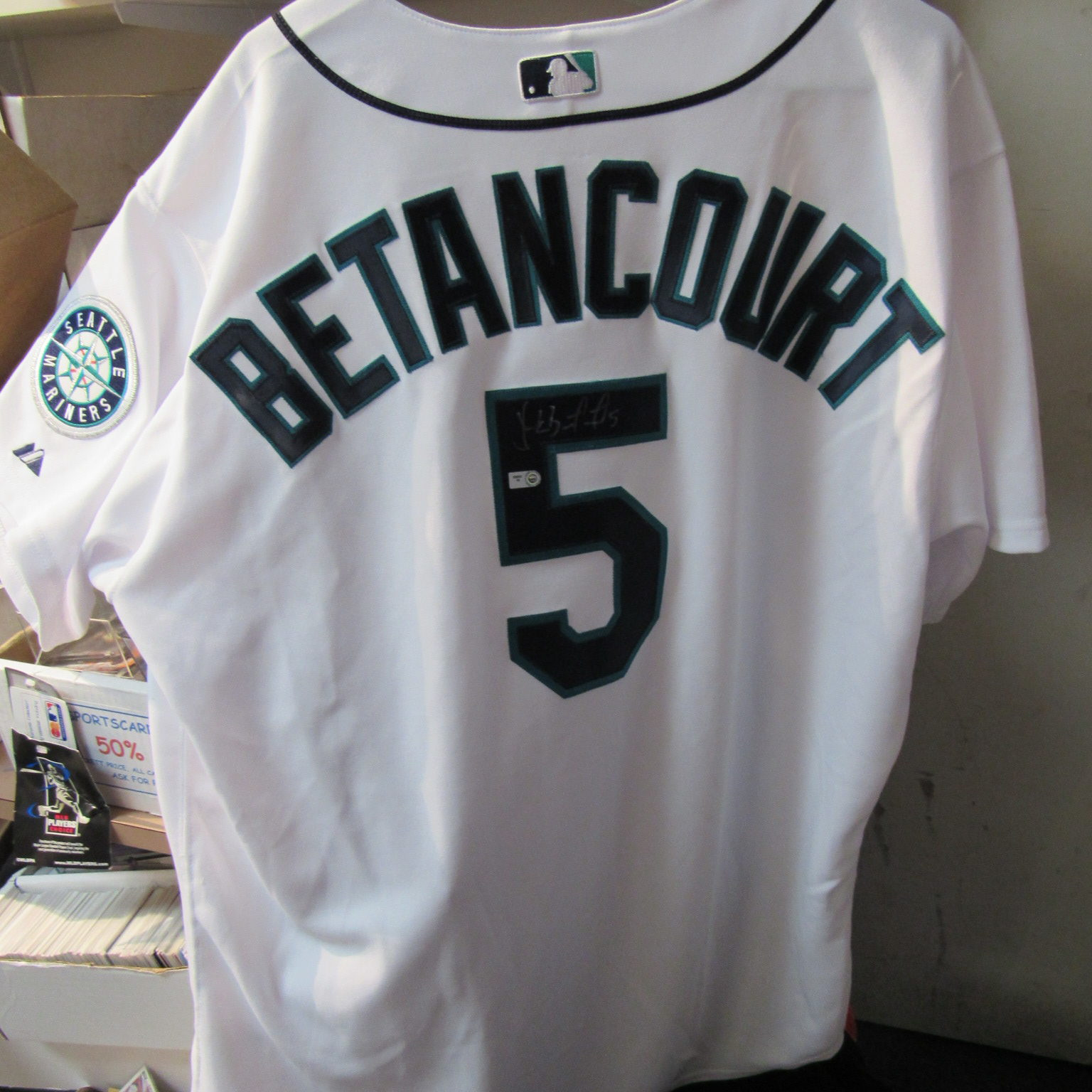 newest 7ebaf 604c4 Yuniesky Betancourt Autographed Seattle Mariners Jersey with COA