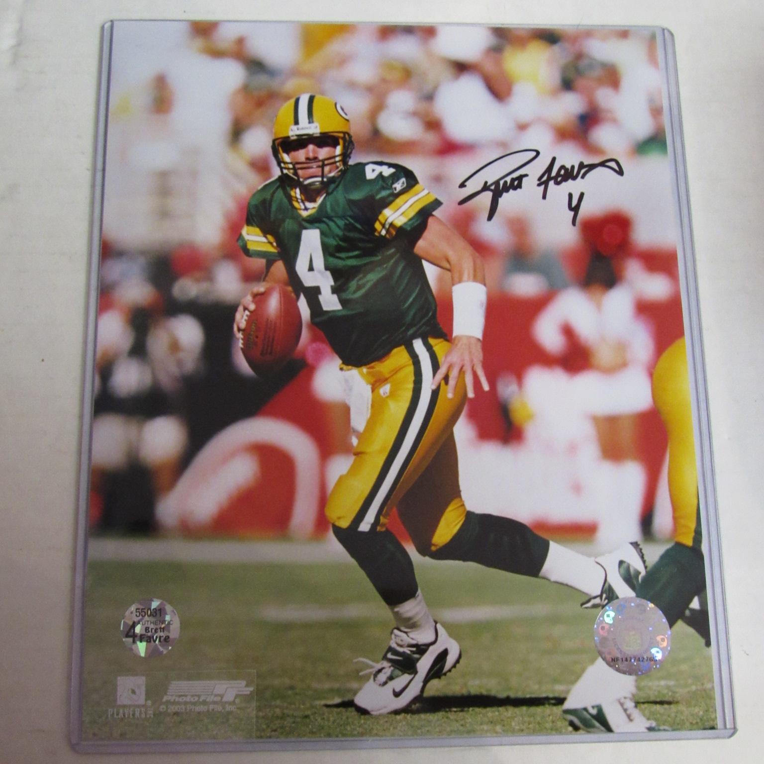 online retailer c809d 98d02 Brett Favre Autographed 8 X 10 Photograph with COA